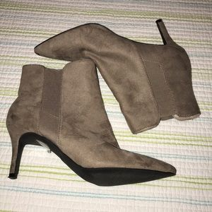 Forever 21 Ankle Boots SH23